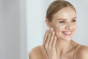 Come idratare la pelle secca: ecco i rimedi