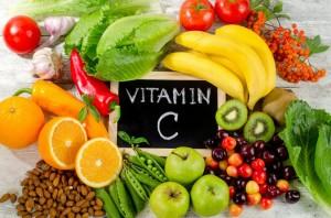 Siero alla Vitamina C: quali sono i benefici sulla pelle?